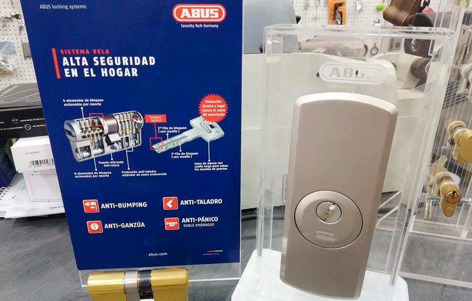 Escudo + cilindro ABUS #cerrajeria-avenida.com #cerrajeriaavenida24h #abus #puertaseurosegur #puertassaeblue